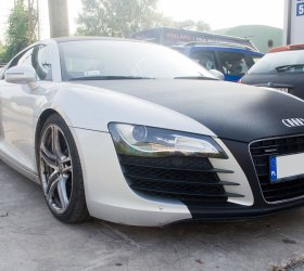 carbon-audi-r8-a8-wrap-car-23