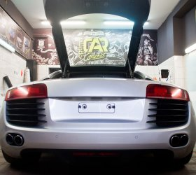 carbon-audi-r8-a8-wrap-car-4