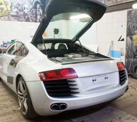 carbon-audi-r8-a8-wrap-car-7