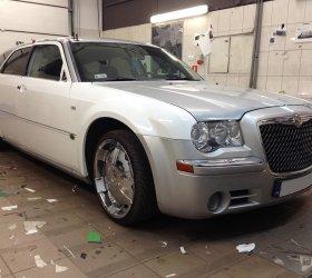 folia-biala-Chrysler-300M-1