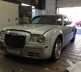 folia-biala-Chrysler-300M-5