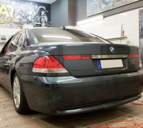 wrapcar-bmw-series-7-1