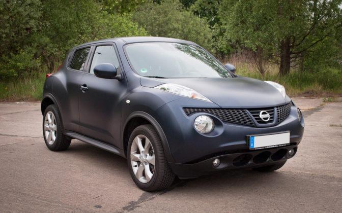 Cargraphics zmiana koloru auta autofolie szczecin for Nissan juke schwarz rot